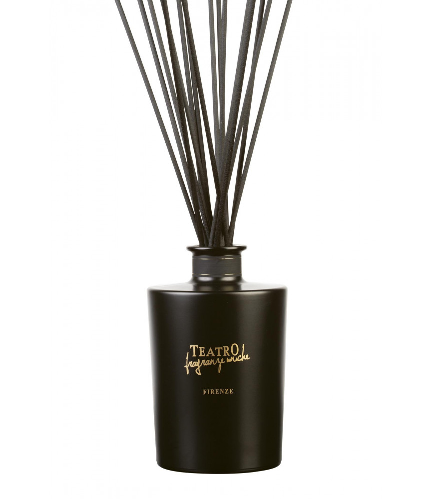 Tabacco 1815 fragrance in mat black decanter